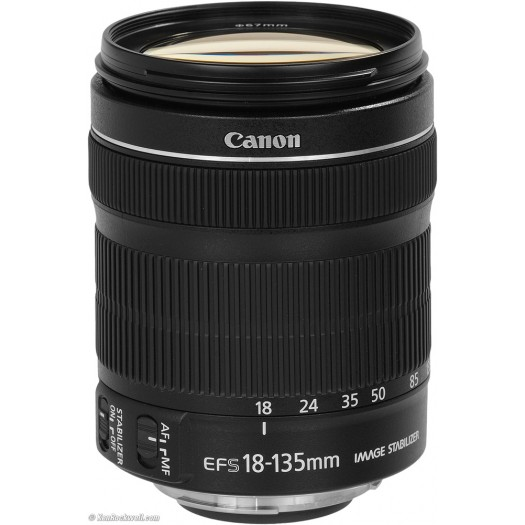 Canon Eos 77D + 18-135mm IS STM Lens