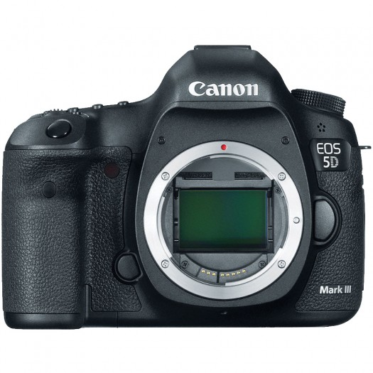 Canon Eos 5D Mark III + 24-70mm F2.8 Lens